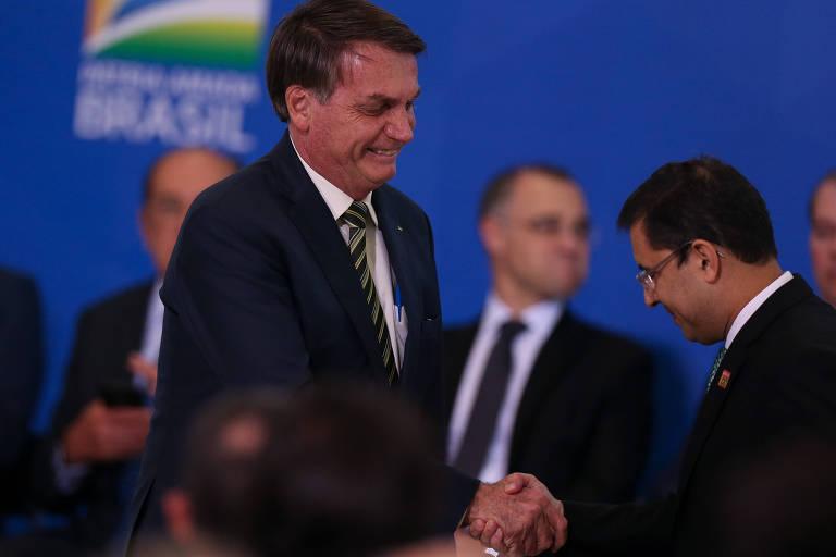 Ações no STF revelam um 'vale-tudo' da AGU pelo chefe Bolsonaro