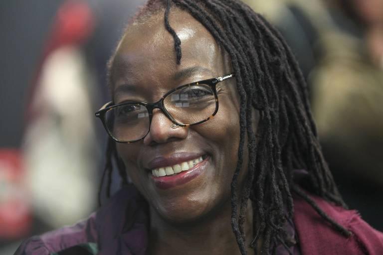 Indicada ao Booker Prize 2020, Tsitsi Dangarembga é presa em manifestação