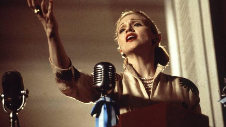 """Madonna em cena de """"Evita"""", de 1996"""