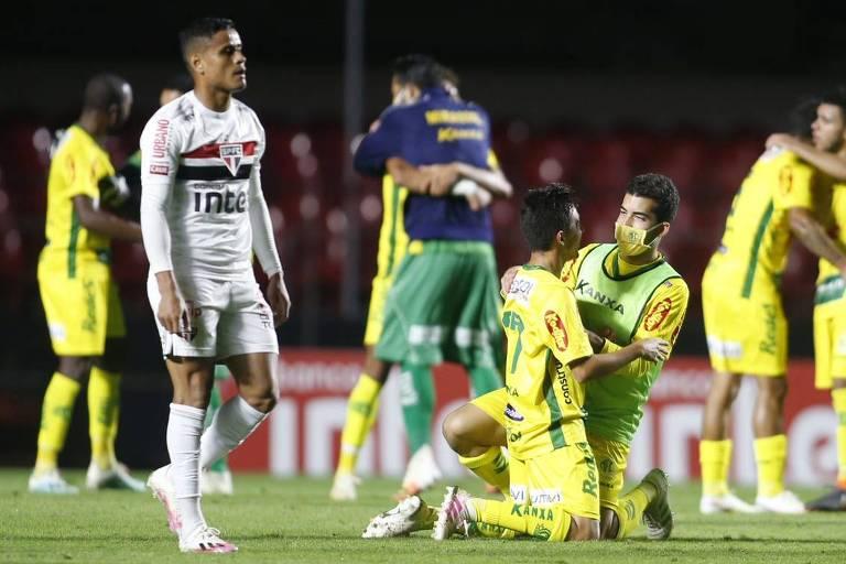 Jogadores do Mirassol comemoram a classificação sobre o São Paulo, no Morumbi