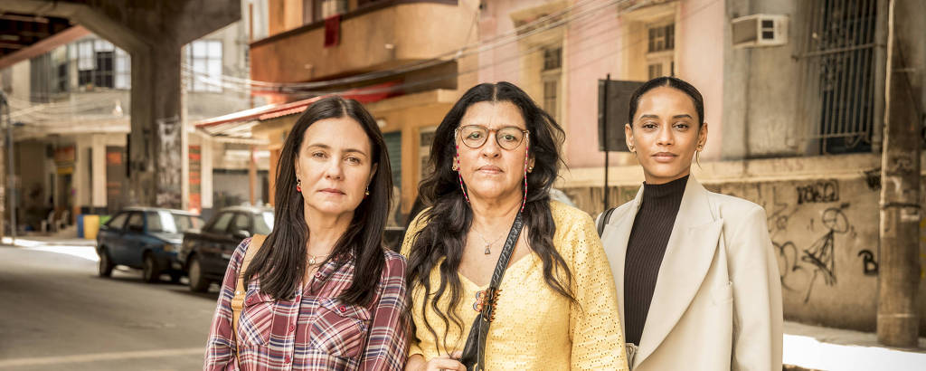 Da esq. para dir., as atrizes Adriana Esteves (Thelma), Regina Casé (Lurdes) e Taís Araujo (Vitória)