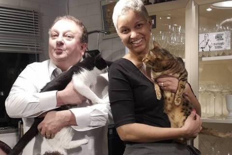 Erick Jacquin, a esposa e os gatinhos