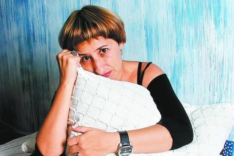 ORG XMIT: 042201_0.tif A produtora de eventos Silvana Tamiazi, 40, que, como 64% das brasileiras, sofre de tensão pré-menstrual. (Foto: Thaís Parolin/Folhapress)