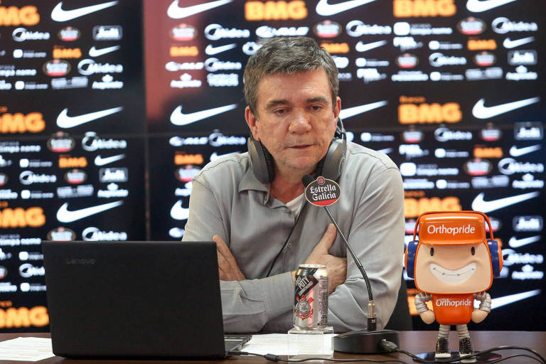 Andrés Sanchez em entrevista no CT Joaquim Grava, em São Paulo