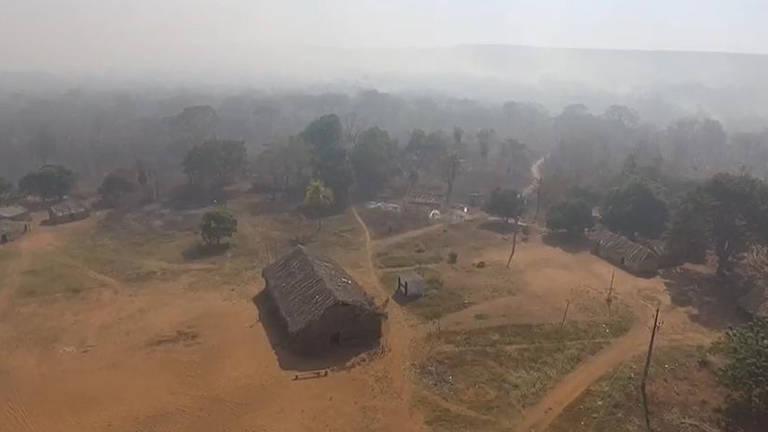 Incêndio atinge Terra Indígena Tadarimana, em Rondonópolis (MT), onde vivem os índios da etnia bororo