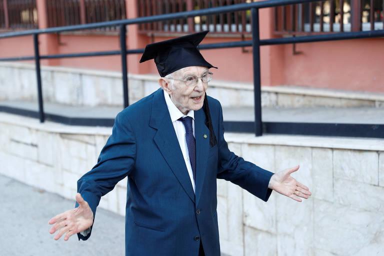 Giuseppe Paterno, 96,  é o estudante mais velho da Itália