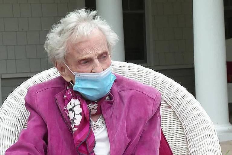 Mildred Geraldine Schappals, 102, que venceu a gripe de 1918 e a Covid-19