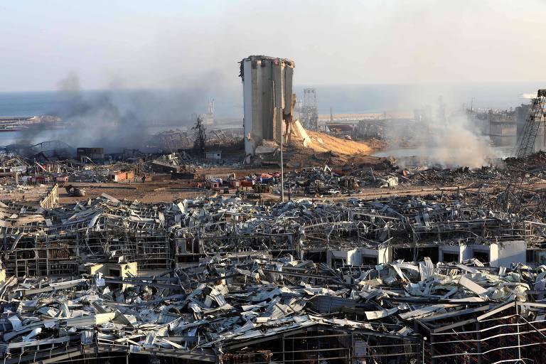 Explosão atingiu mais da metade de Beirute e deixou 300 mil desabrigados
