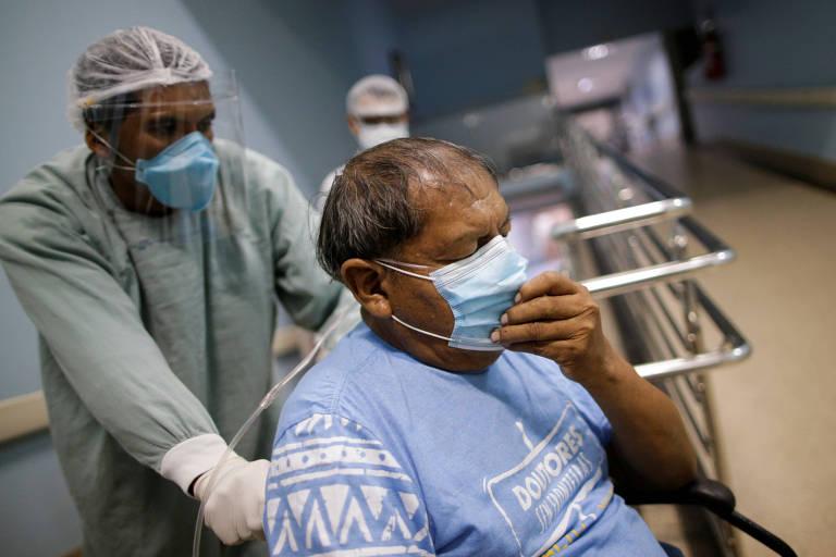 Aritana Yawalapiti, 71, chega muito debilitado em hospital de Goiânia após contrair Covid-19; ele morreu nesta quarta (5)