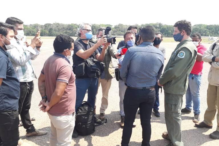 Garimpeiros ilegais fecham aeroporto durante visita de Salles a cidade do Pará