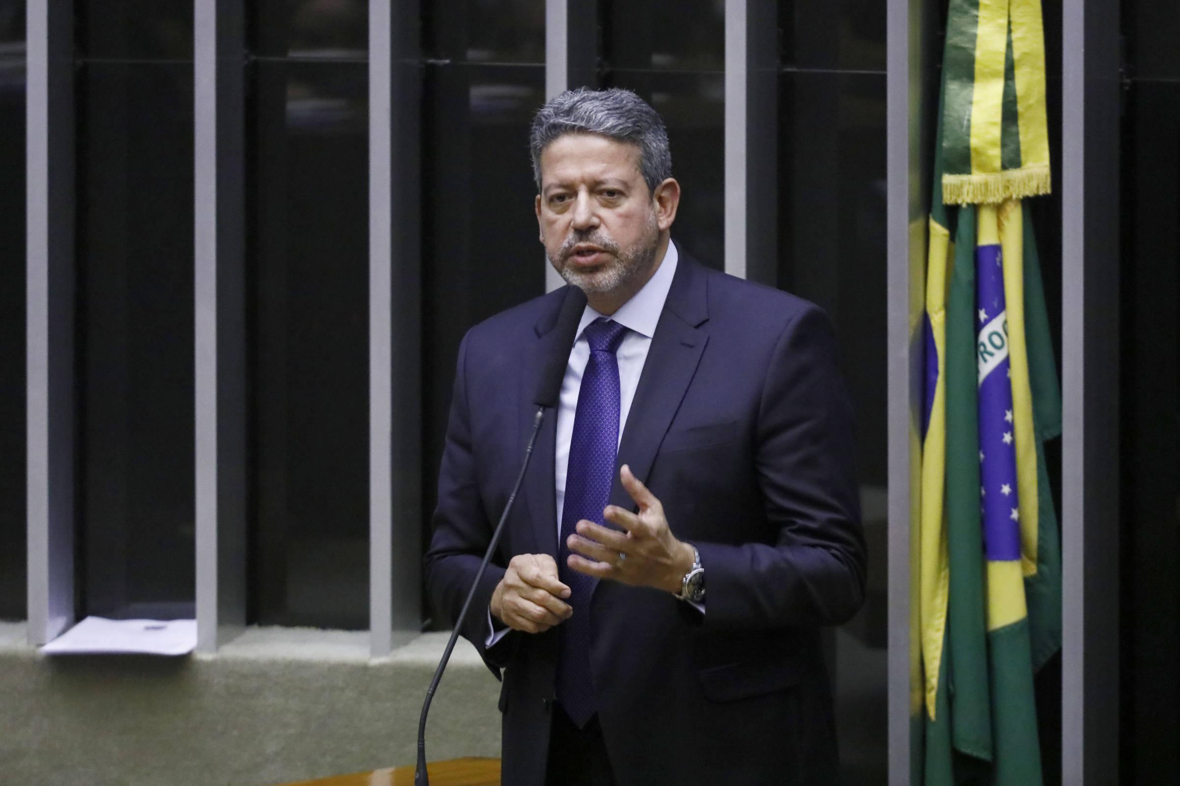 Relator propõe reforma tributária ampla e Lira anuncia fim de comissão
