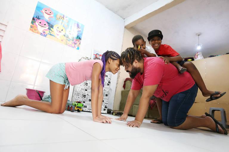 Pais contam como pandemia mudou a relação com os filhos dentro de casa