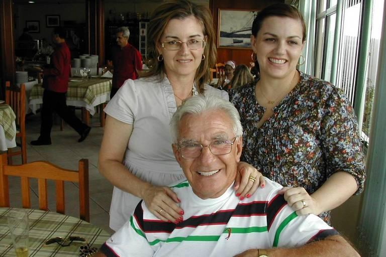 Juraci, com as filhas Elaine e Lilian