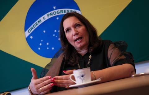 Bia Kicis, autora de PEC do voto impresso, atribui risco de derrota na Câmara à pressão de TSE e STF