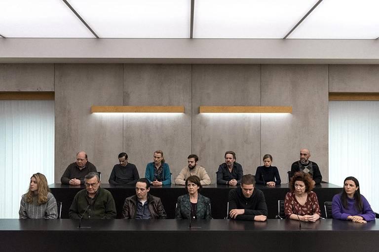 Cena da série 'Os Doze Jurados', da Netflix