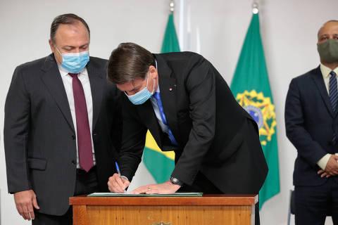 Bolsonaro diz que fez 'o possível e o impossível' para evitar mortes por Covid-19