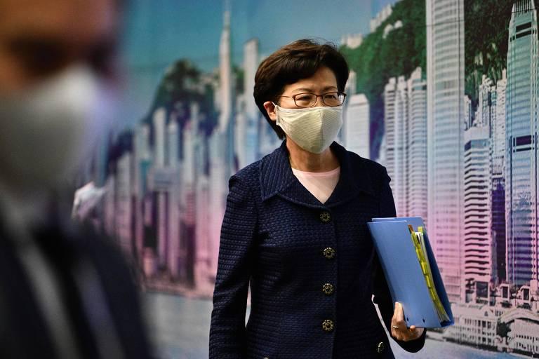 A chefe-executiva de Hong Kong, Carrie Lam, após entrevista coletiva na sede do governo