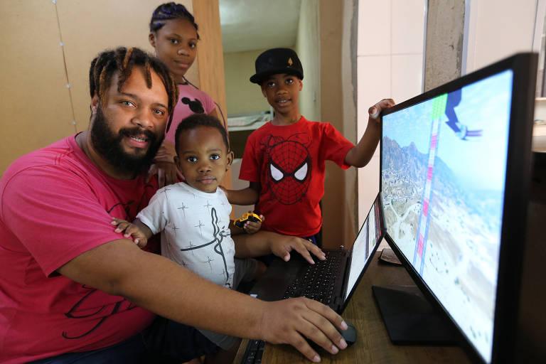 Bruno Henrique Gonçalves Viana, o home office se aproximou dos filhos,  Sabrina, 12 anos, Rhuan, 8 anos e Renan 2 anos,  durante a quarentena