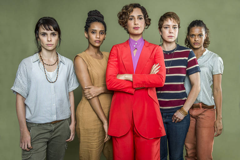 Da esq. para dir. Natalie (Débora Falabella), Verônica (Taís Araújo), Olga (Camila Pitanga), Luiza (Leandra Leal) e Clara (Thainé Duarte )