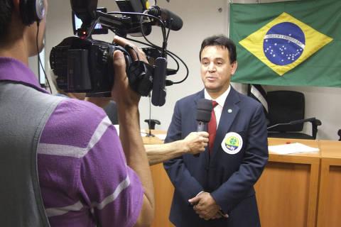 Partido com seis deputados usou dinheiro público para comprar carro de R$ 260 mil