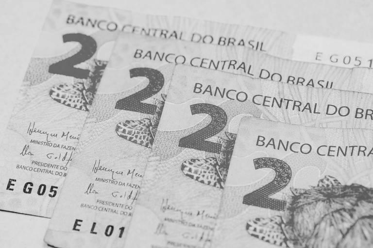 Além de reduzir a taxa básica para 2% ao ano, o Comitê de Política Monetária não pretende aumentá-lo antes do final de 2021