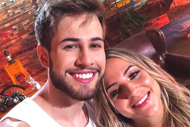 Junior Villa e Gabi Martins participam de live
