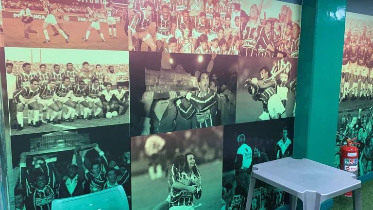 Parede com fotos antigas do time do Palmeiras