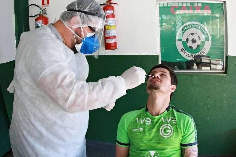 Jogadores do Goiás passam por testes de Covid-19