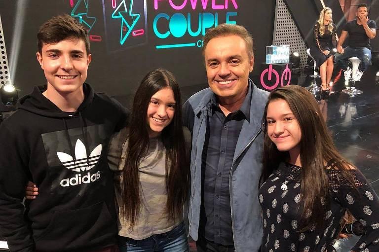 Gugu Liberato com os filhos: João Augusto Liberato, Marina Liberato e  Sofia Liberato