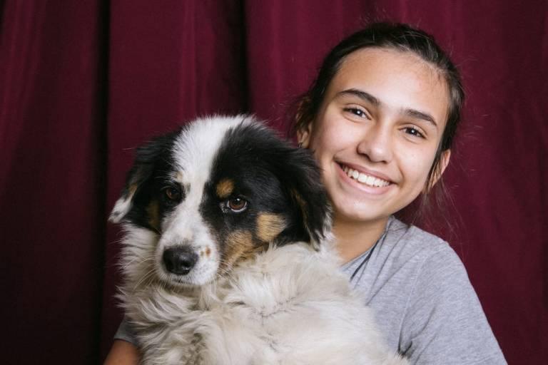 Garoto cria abaixo-assinado com Raul Seixas, Neymar e Cinderela e convence mãe a adotar cachorro