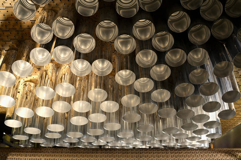 Cerveja em casa segura queda na receita de fabricantes de latinhas na pandemia