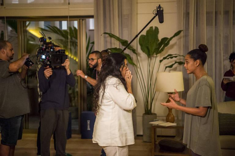 'Amor de Mãe' e 'Salve-se' retomam gravações com cuidados especiais na Globo