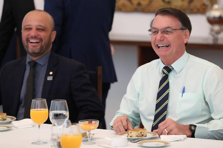 Jair Bolsonaro durante encontro com deputado Vitor Hugo (PSL/GO)