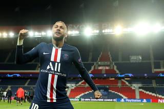 Champions League - Round of 16 Second Leg - Paris St Germain v Borussia Dortmund