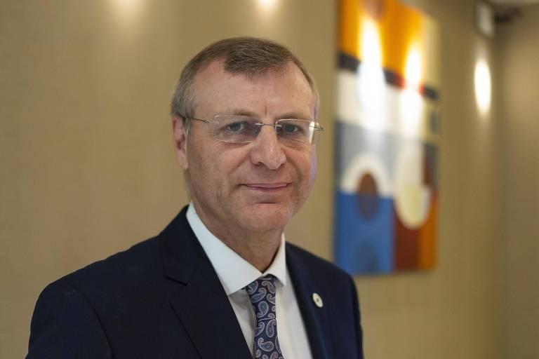 Presidente da Sociedade Brasileira de Infectologia, Clovis Arns da Cunha, 56