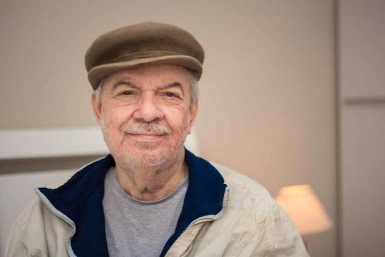 Jornalista gaúcho Edegar Schmidt morreu aos 70 anos com complicações da Covid-19