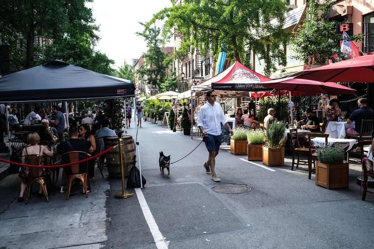 Avanço de mesas nas ruas por conta da pandemia pode acelerar perda de espaço de carros