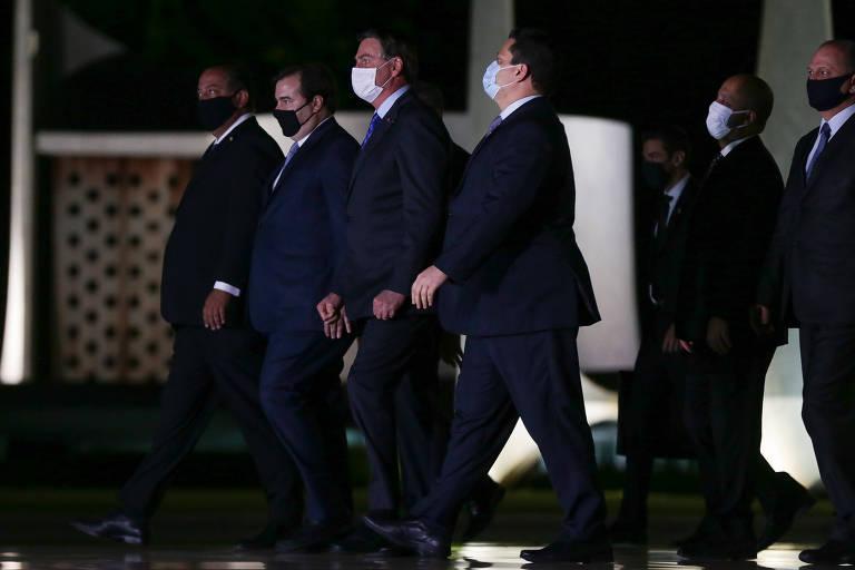 Bolsonaro contrata profissionais do ramo para evitar impeachment