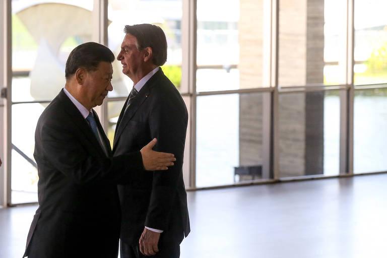 Xi e Bolsonaro durante cúpula dos Brics anterior à pandemia, no Itamaraty
