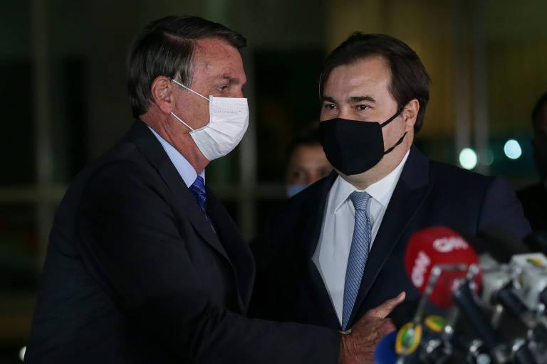 O presidente Jair Bolsonaro, acompanhado do presidente da Câmara, deputado Rodrigo Maia (DEM-RJ)