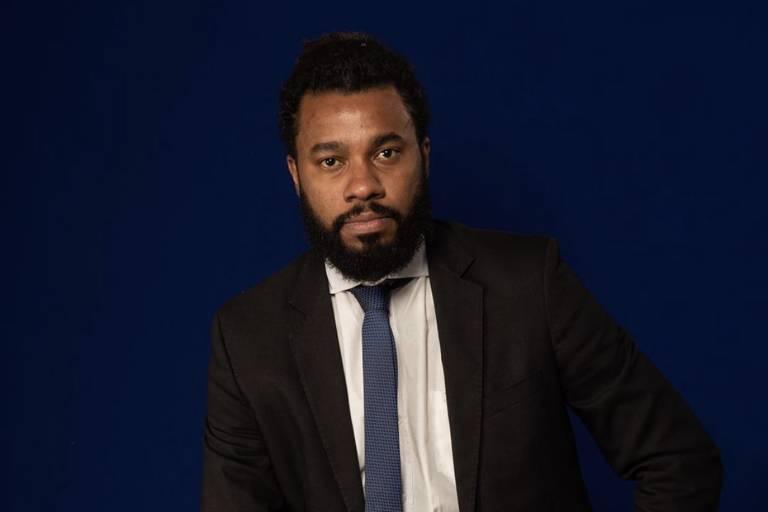 Joel Luiz Costa é advogado criminal da favela do Jacarezinho e do Fórum Grita Baixada. É membro da Comissão de Direitos Humanos da OAB do Rio de Janeiro, da Frente 'Favelas na Luta' e da Iniciativa Direito a Memória e Justiça Racial. Também é criador e coordenador do pré-vestibular comunitário NICA