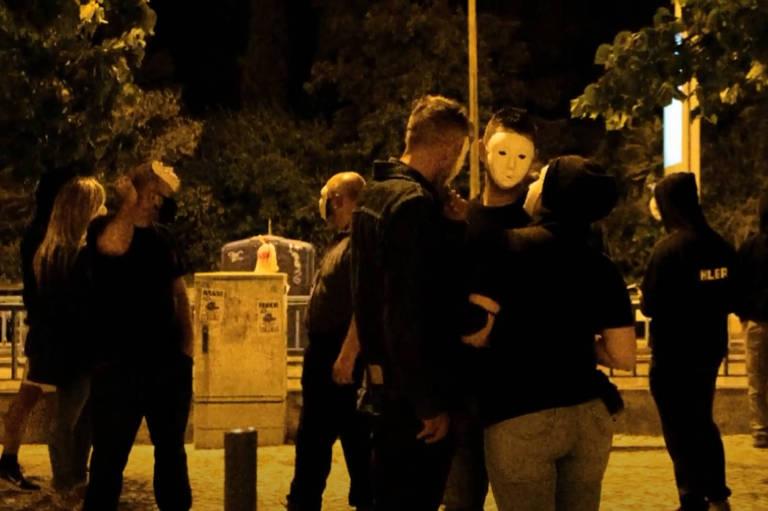 Grupo de extrema-direita português Resistência Nacional faz ato em frente à sede do SOS Racismo em Lisboa