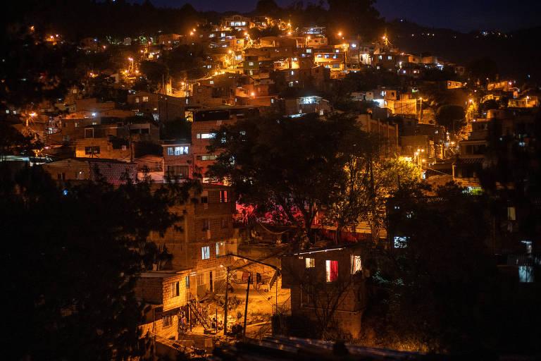 Vista de Villatina, um dos bairros periféricos de Medellín.
