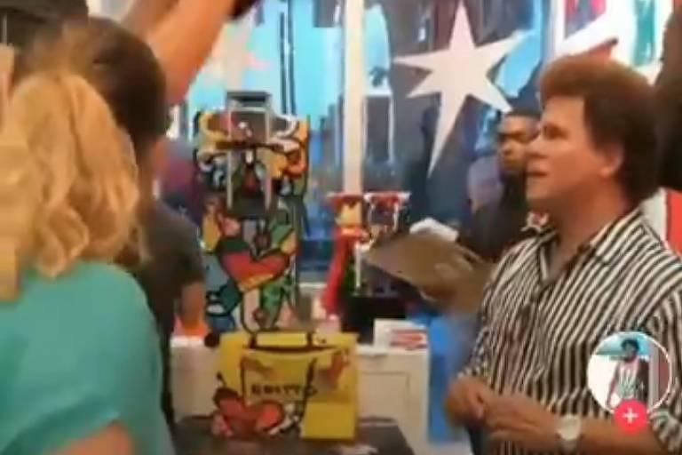 Romero Britto se surpreendeu com uma mulher que quebrou obra
