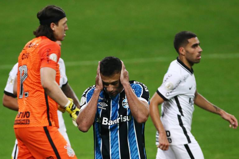 Diego Souza lamenta após perder pênalti contra Cássio