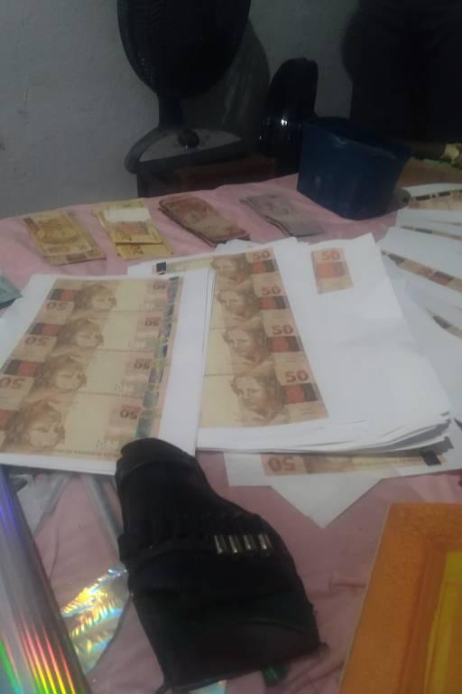 Homem é preso após PM encontrar dentro de residência produção clandestina de dinheiro falso