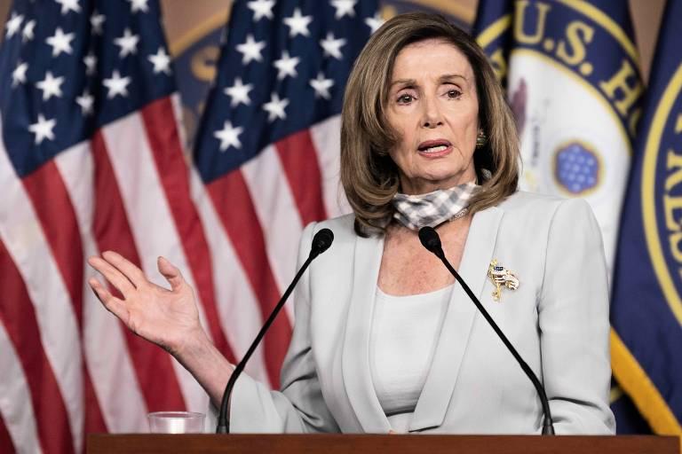 A presidente da Câmara dos Deputados dos EUA, Nancy Pelosi, durante entrevista coletiva