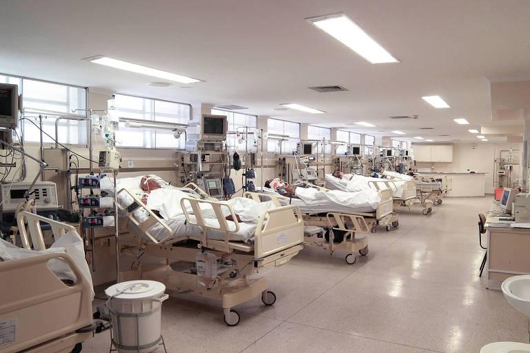 Benefícios foram observados em estudo clínico feito com 38 voluntários atendidos no Hospital das Clínicas da USP em Ribeirão Preto. Droga é barata e pode reduzir o tempo de internação, mas não deve ser usada fora do ambiente hospitalar e sem orientação médica, alertam os pesquisadores