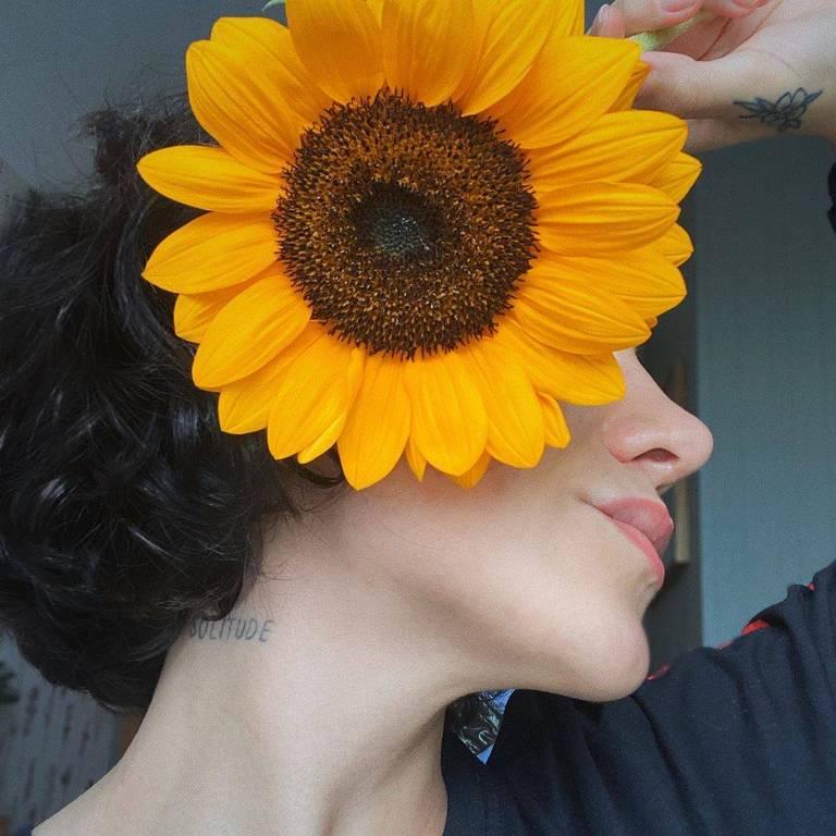Imagens da cantora Priscilla Alcantara