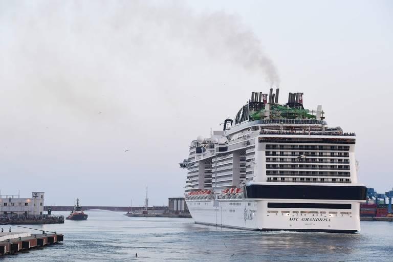 Primeiro transatlântico a voltar ao Mediterrâneo na pandemia